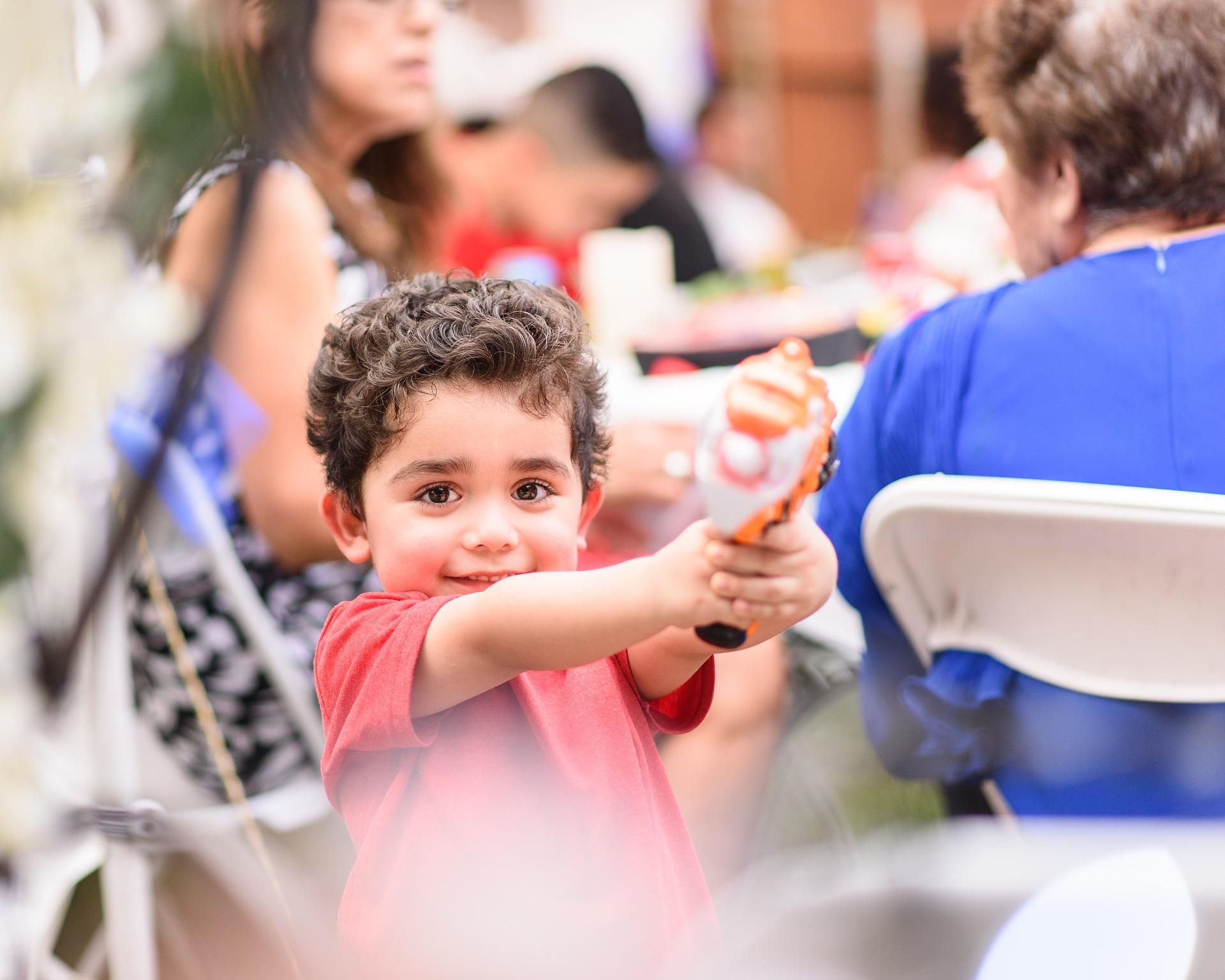 kid-playing-2458849_1920